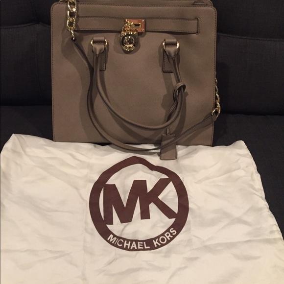 50ca45a6ee918c Michael Kors Bags | Hamilton Large Saffiano Leather Tote | Poshmark
